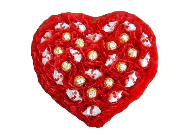 Поделки из конфет на 14 февраля своими